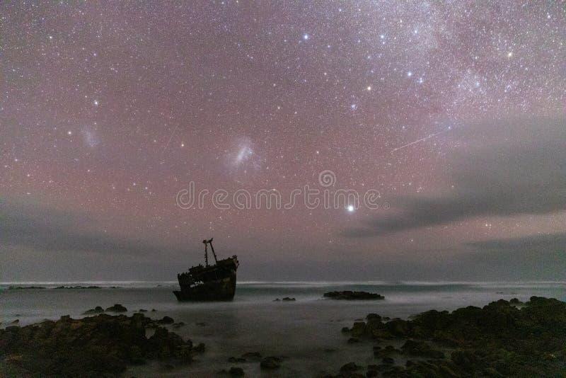 Meisho Maru Shipwreck entlang der Agulhas-Küste am südlichen die meiste Spitze von Afrika und von Südafrika stockfotos