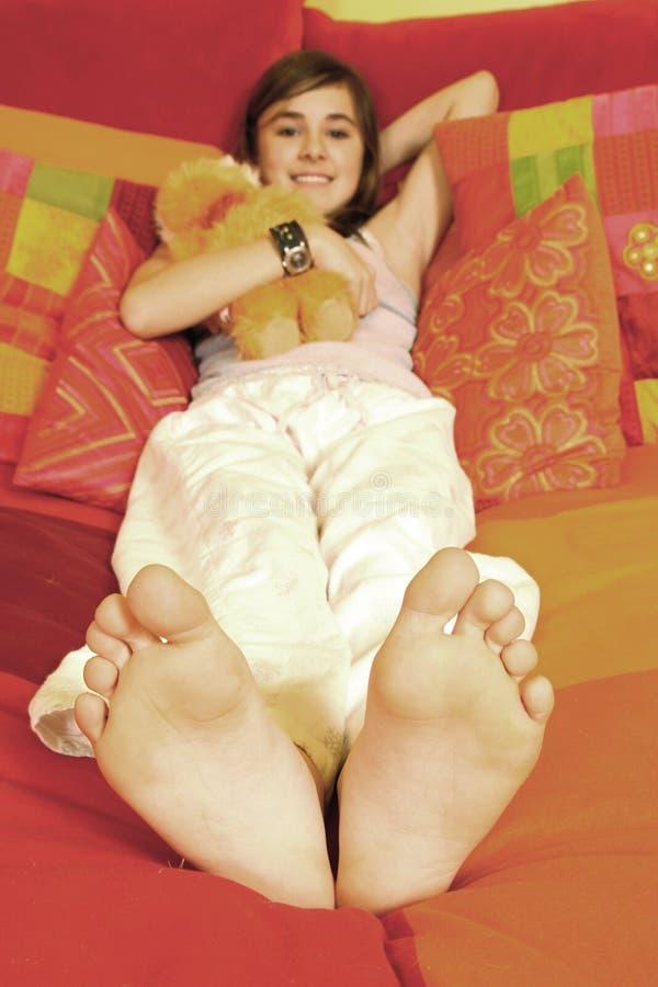Meisje in bed royalty-vrije stock foto's