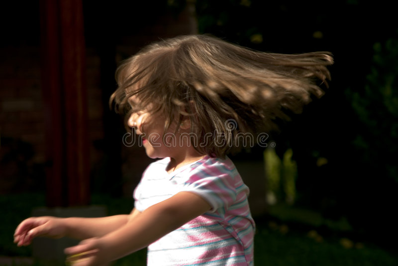 Meisje dat het hoofd beweegt stock afbeeldingen