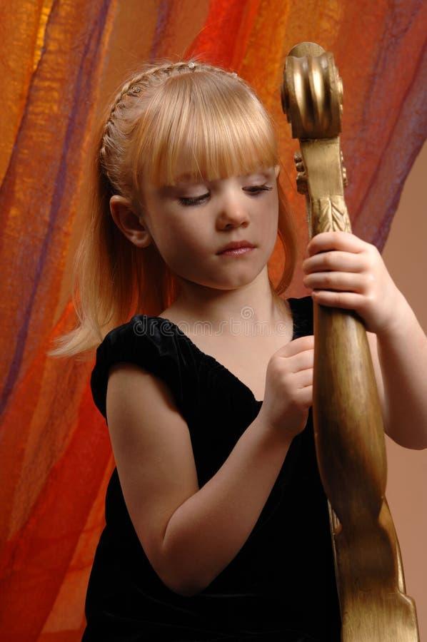 Meisje in de fotostudio royalty-vrije stock afbeeldingen