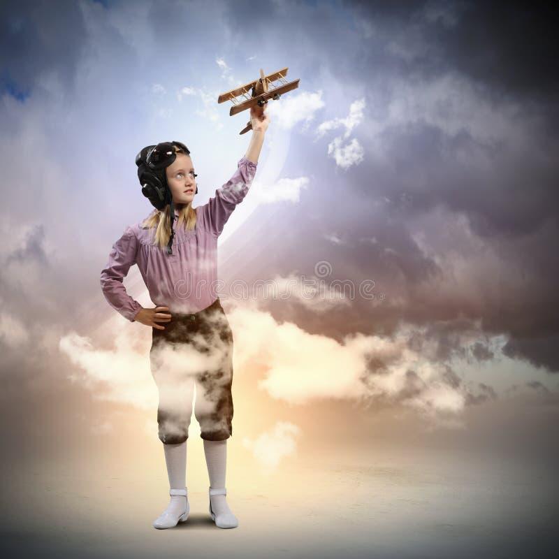 Download Meisje In De Hoed Van De Loods Stock Afbeelding - Afbeelding bestaande uit meisje, droom: 29511343