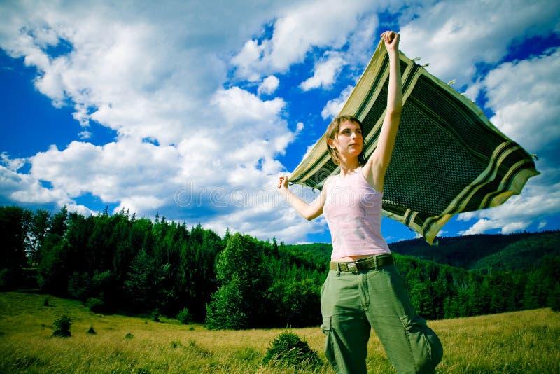 Meisje in de wind royalty-vrije stock afbeelding