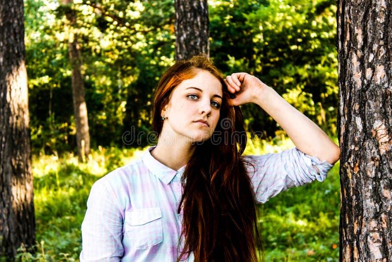 Meisje in de zomer royalty-vrije stock afbeeldingen
