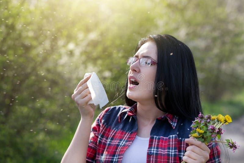 Meisje die allergie hebben stock fotografie