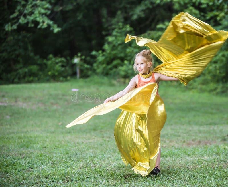 Meisje die bij het Wilde Gansfestival dansen royalty-vrije stock fotografie