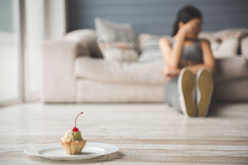 Meisje die dieet houden royalty-vrije stock afbeelding