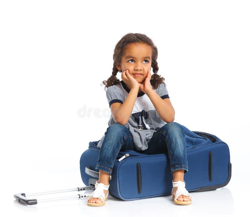 Download Meisje Die Op Vakantie Gaan Stock Afbeelding - Afbeelding bestaande uit kind, geval: 29500293