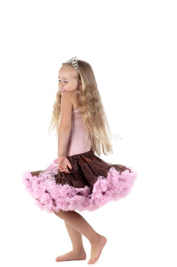 Meisje die in studio dansen royalty-vrije stock afbeeldingen