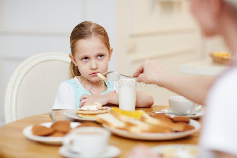 Meisje die weigeren te eten royalty-vrije stock foto's