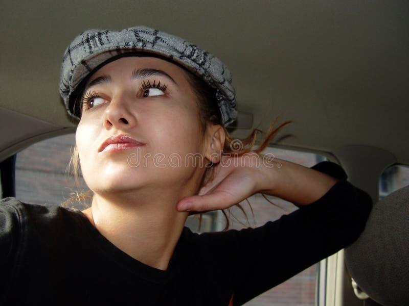 Meisje in een auto royalty-vrije stock fotografie
