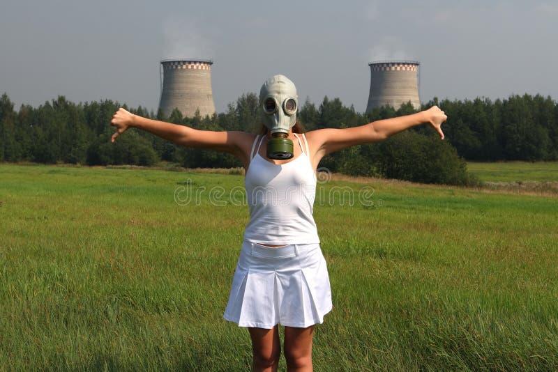 Meisje in een gasmasker stock foto