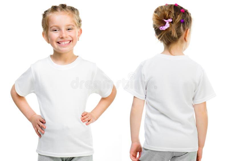 Meisje in een witte T-shirt