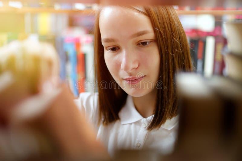 Meisje en boeken royalty-vrije stock fotografie
