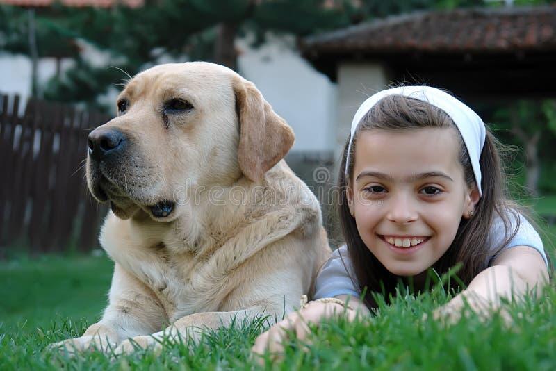 Meisje en hond royalty-vrije stock foto's