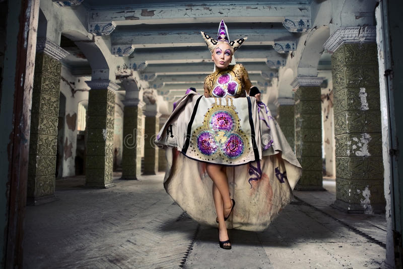 Meisje in fairytale royalty-vrije stock fotografie