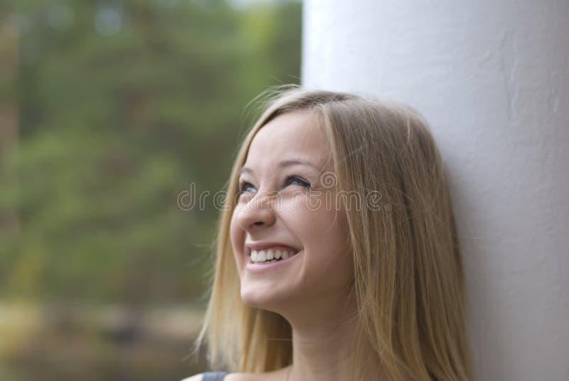 Meisje in glazen stock fotografie