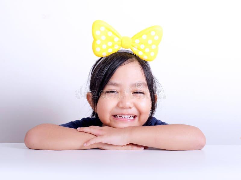 Meisje het glimlachen gezichtsportret royalty-vrije stock afbeelding