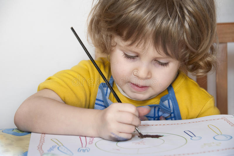 Meisje het schilderen stock fotografie