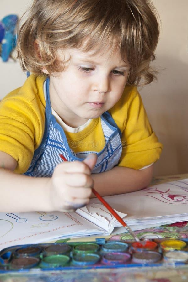 Meisje het schilderen stock afbeelding