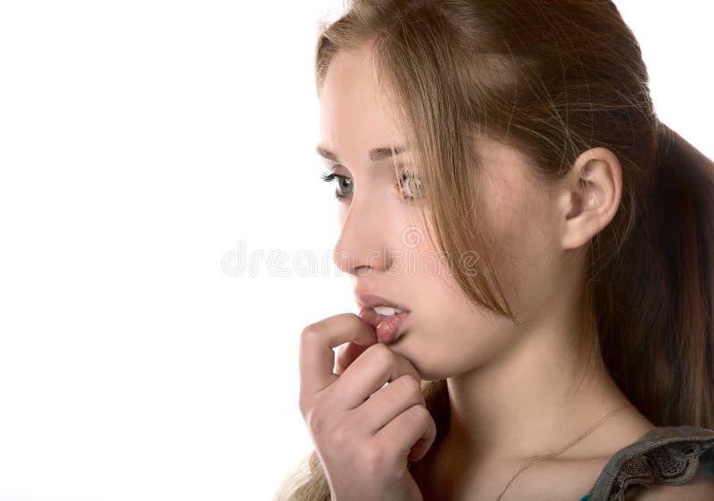 Meisje in het verstoorde gevoel dicht omhoog stock afbeeldingen