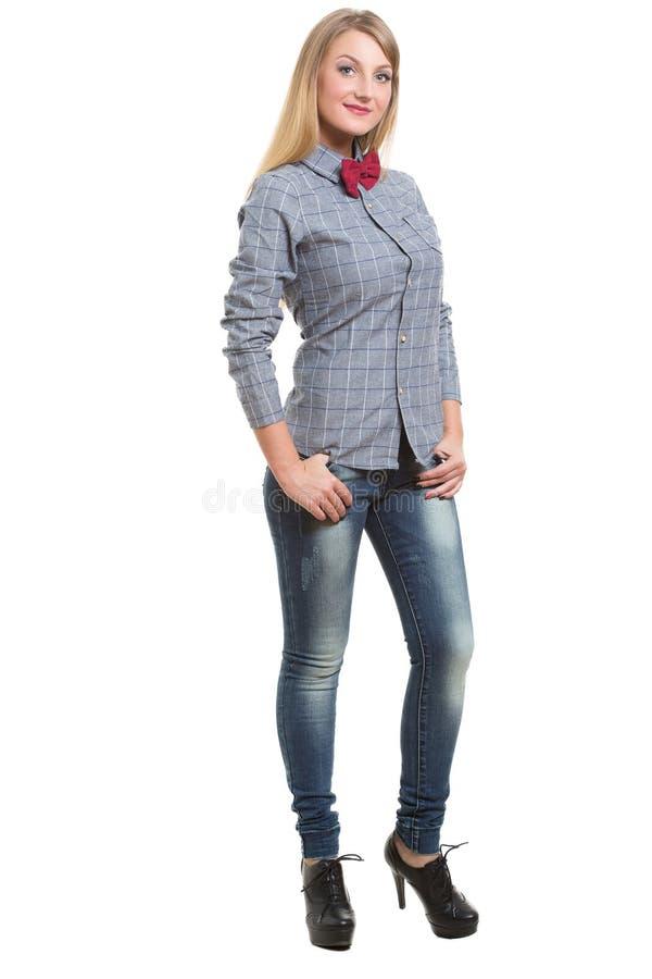 Meisje in jeansoverhemd en band Geïsoleerd op wit stock fotografie