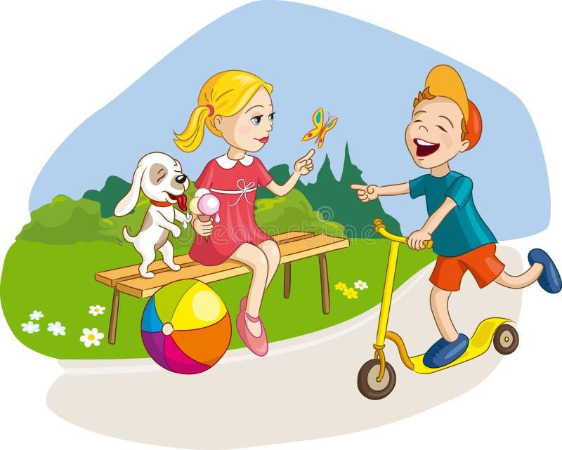 Meisje, jongen en hond die pret, de zomervakantie in park hebben stock foto's