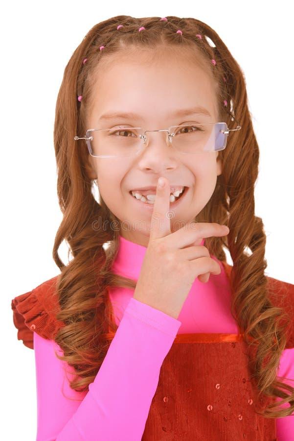 Meisje-kleuter Gezette Vinger Aan Lippen Stock Foto's