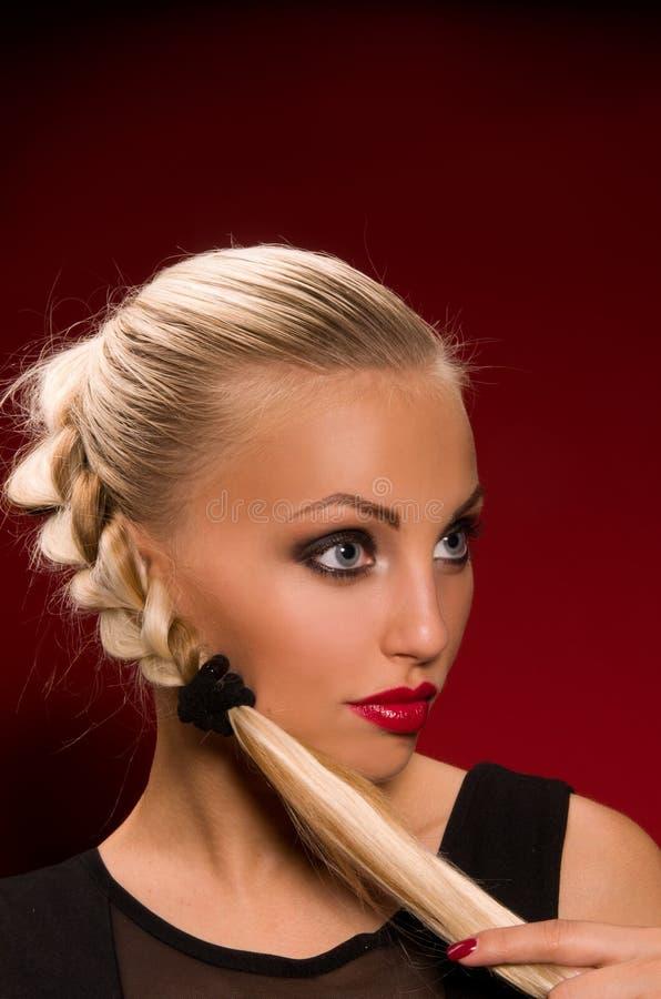 Meisje met agressieve make-up royalty-vrije stock foto's