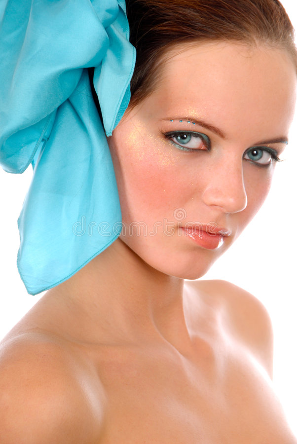 Meisje met blauwe boog in haar royalty-vrije stock foto