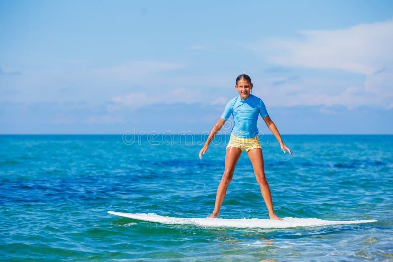 Download Meisje met branding stock foto. Afbeelding bestaande uit schoonheid - 54089640