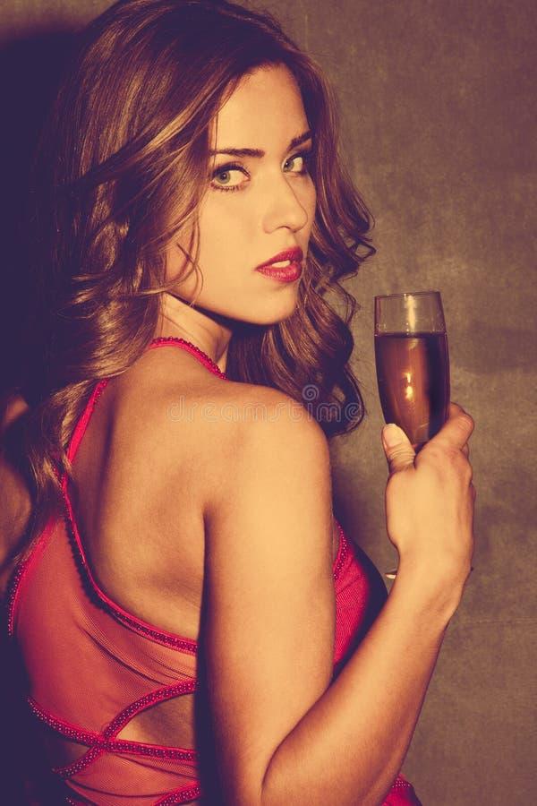 Meisje met champagne royalty-vrije stock afbeeldingen