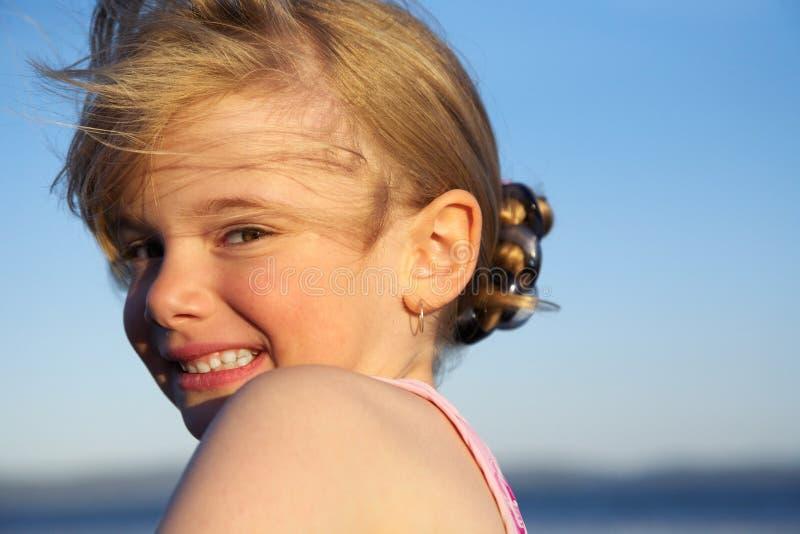 Meisje met een het glimlachen gezicht royalty-vrije stock foto
