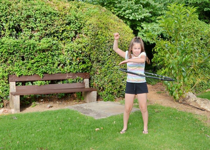 Meisje met een Hula-Hoepel royalty-vrije stock afbeeldingen