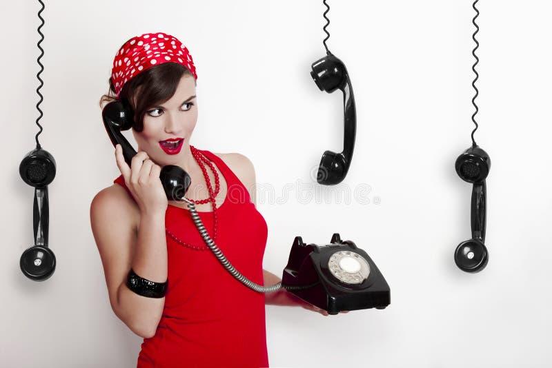 Meisje met een uitstekende telefoon royalty-vrije stock foto