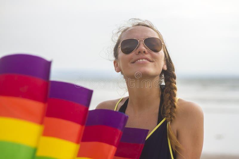Meisje met een vlieger royalty-vrije stock foto's