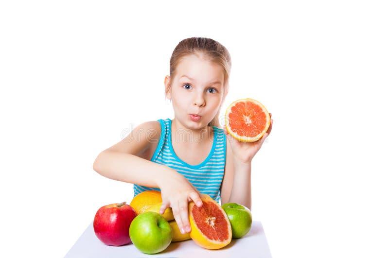 Meisje met fruit royalty-vrije stock afbeelding