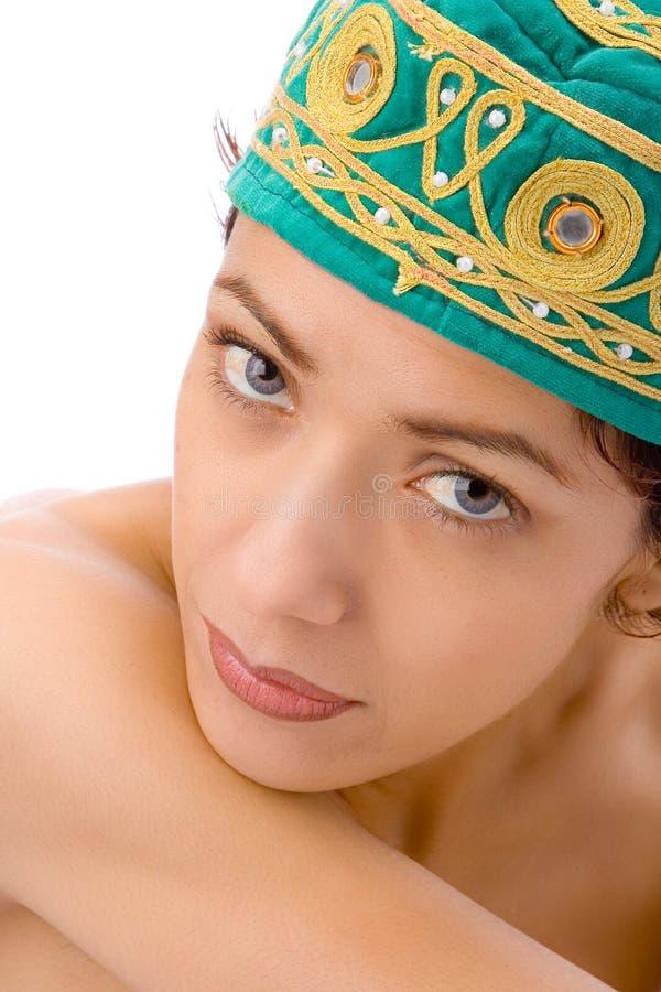 Meisje met groene hoedenclose-up royalty-vrije stock fotografie