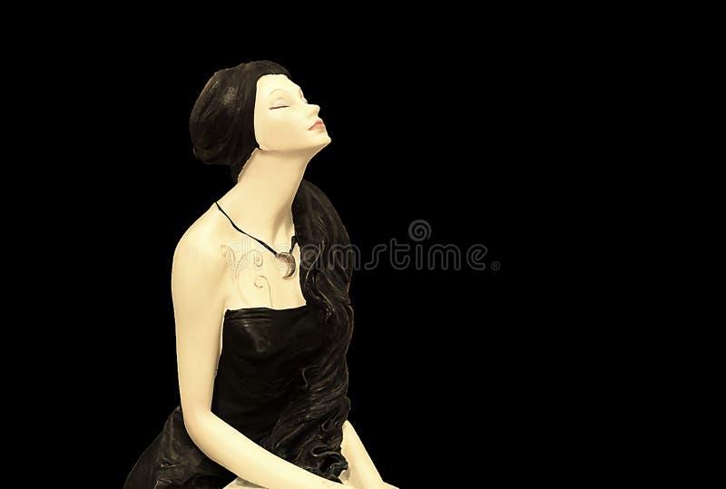 Meisje met het donkere haar dromen stock foto's
