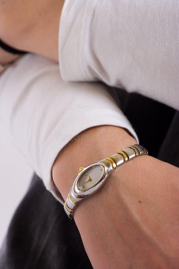 Meisje met horloge stock afbeeldingen