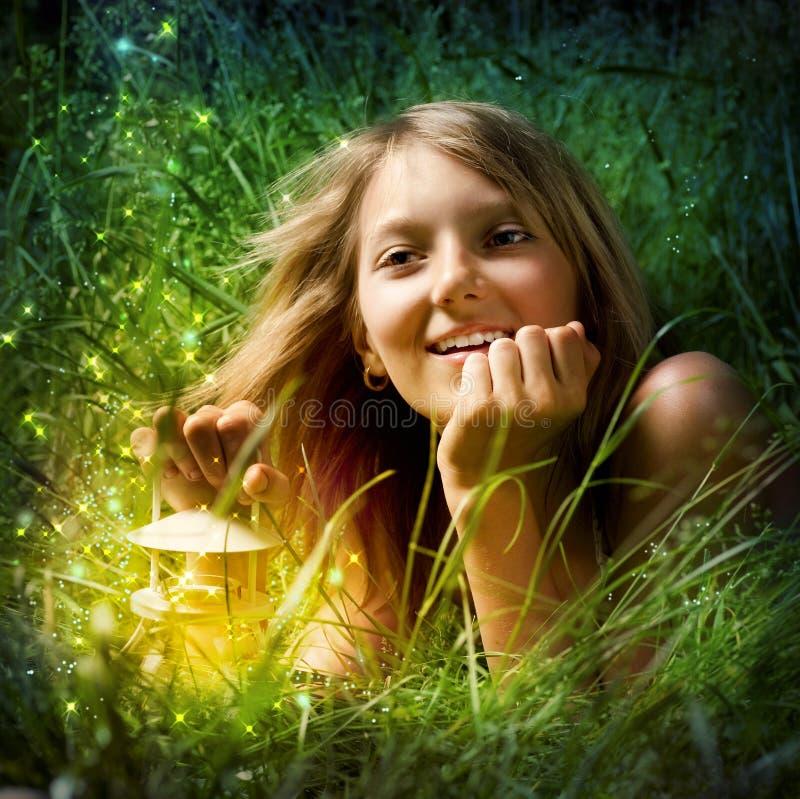 Meisje met Lamp royalty-vrije stock afbeelding