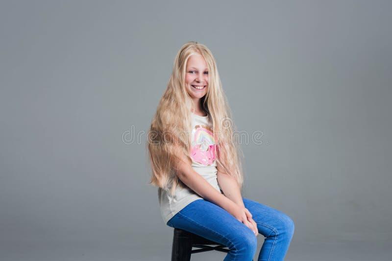 Meisje met lang haar Het concept, kapsel royalty-vrije stock fotografie