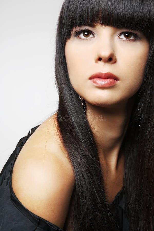 Meisje met lang zwart haar. royalty-vrije stock fotografie