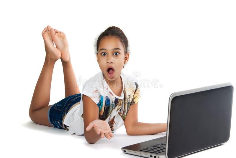 Meisje met laptop royalty-vrije stock foto