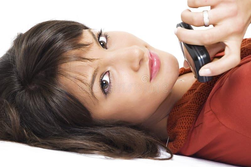 Meisje met mobiele telefoon royalty-vrije stock afbeelding