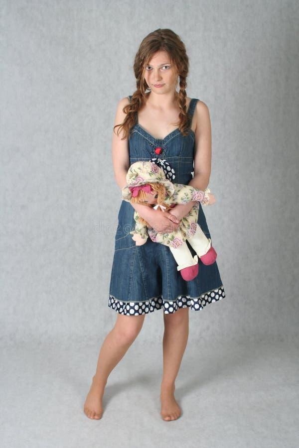 Meisje met pop royalty-vrije stock fotografie