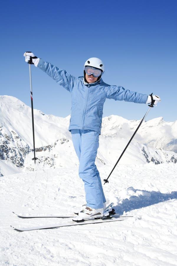 Meisje met ski stock foto's