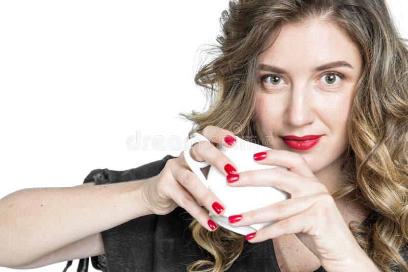 Meisje met van het de theeportret van de kopkoffie jonge vrouw de vrij royalty-vrije stock foto