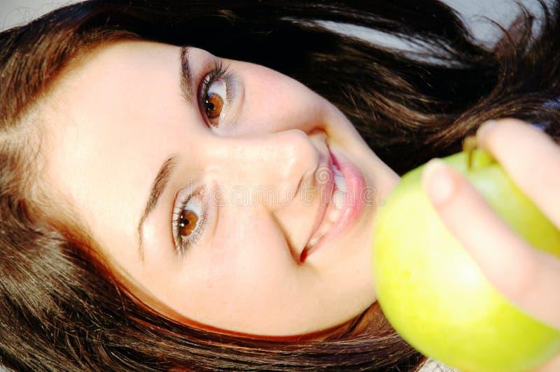 Meisje met verse appel 1 royalty-vrije stock foto's