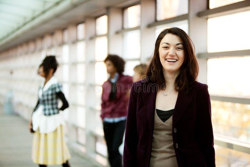 Meisje met Vrienden stock afbeeldingen