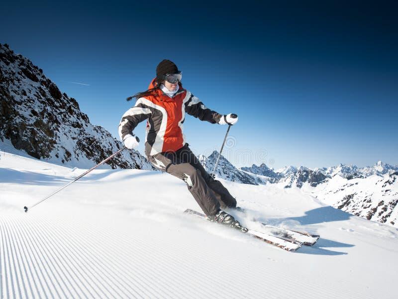 Meisje op de ski royalty-vrije stock foto